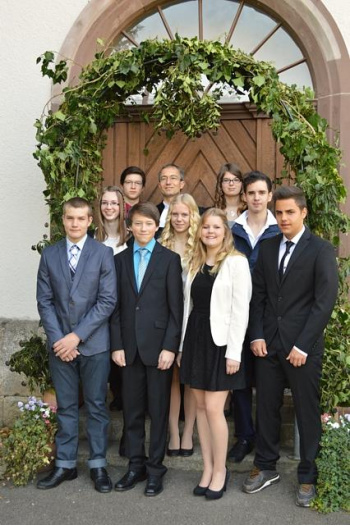 Konfirmation 14<div class='url' style='display:none;'>/kg/gaechlingen/</div><div class='dom' style='display:none;'>ref-sh.ch/</div><div class='aid' style='display:none;'>2733</div><div class='bid' style='display:none;'>20208</div><div class='usr' style='display:none;'>298</div>