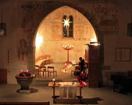 13-12-13 Taize-Gebet 1 (4)<div class='url' style='display:none;'>/kg/burg/</div><div class='dom' style='display:none;'>ref-sh.ch/</div><div class='aid' style='display:none;'>2294</div><div class='bid' style='display:none;'>49429</div><div class='usr' style='display:none;'>912</div>