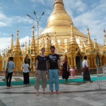 Shwedagon Pagode (Tabea Frei)<div class='url' style='display:none;'>/kg/gaechlingen/</div><div class='dom' style='display:none;'>ref-sh.ch/kg/gaechlingen/</div><div class='aid' style='display:none;'>5716</div><div class='bid' style='display:none;'>61251</div><div class='usr' style='display:none;'>457</div>
