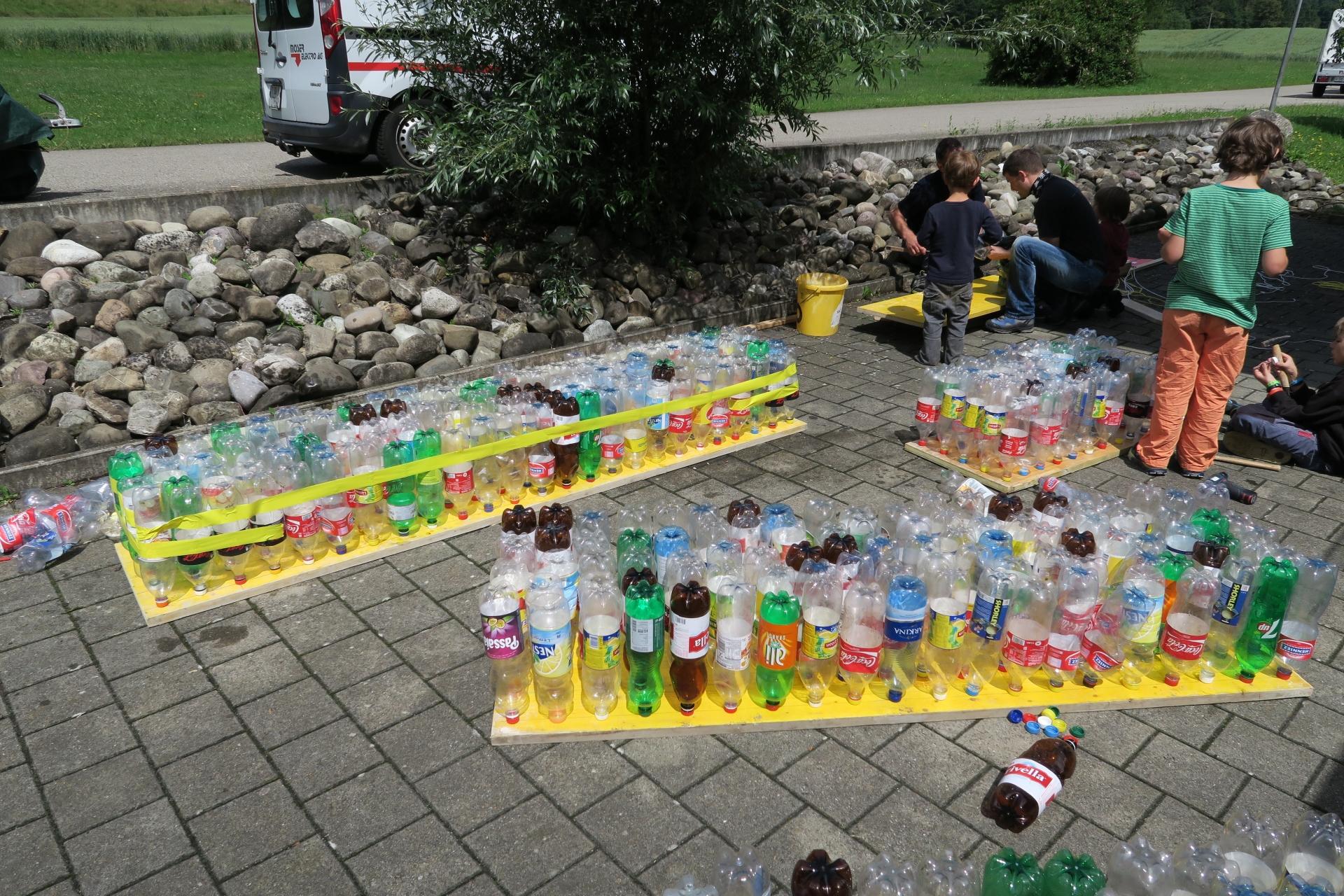 9 Vater 22 Kinder Und 680 Pet Flaschen Gachlingen Lohningen